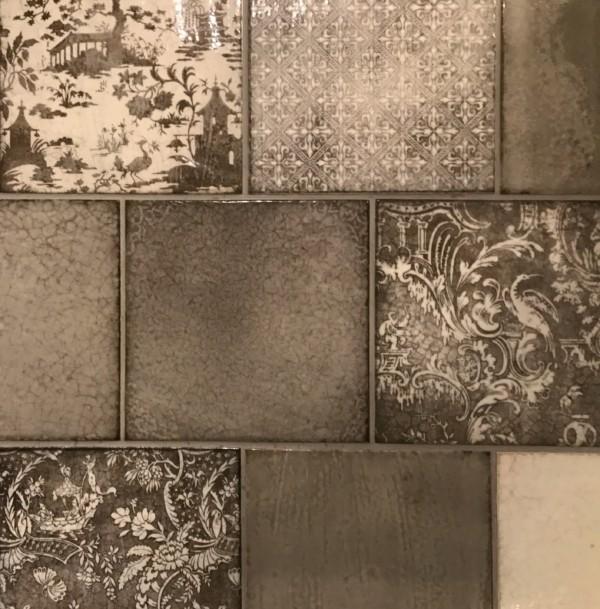 ガスコンロ脇のタイルを決定するまで。名古屋モザイク「マヨリカ」