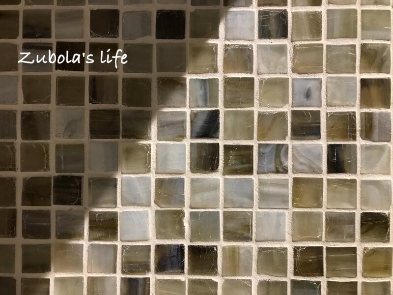 一目惚れしたガラスタイル。名古屋モザイク「ニューヨーカーグラス」
