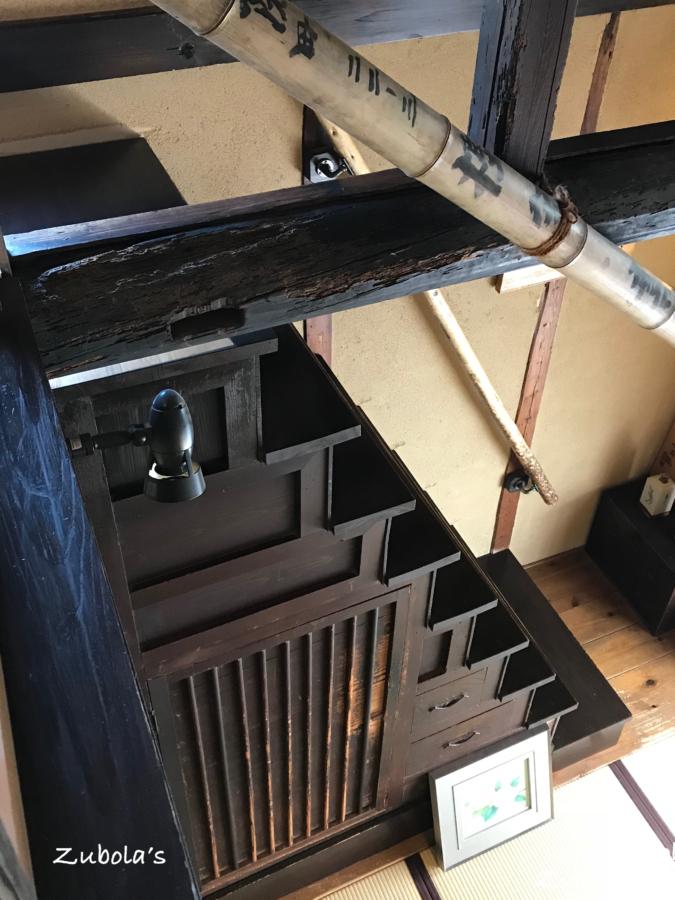 樫舎の箱階段