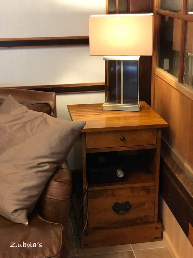 ローラアシュレイの家具とライト