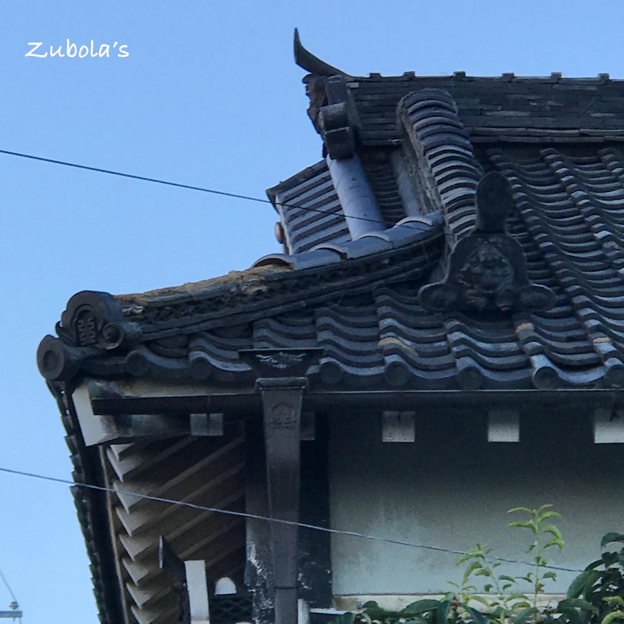 台風21号の爪痕。古民家の瓦が飛んで壊れました。Typhoon Jebi (Typhoon No. 21)