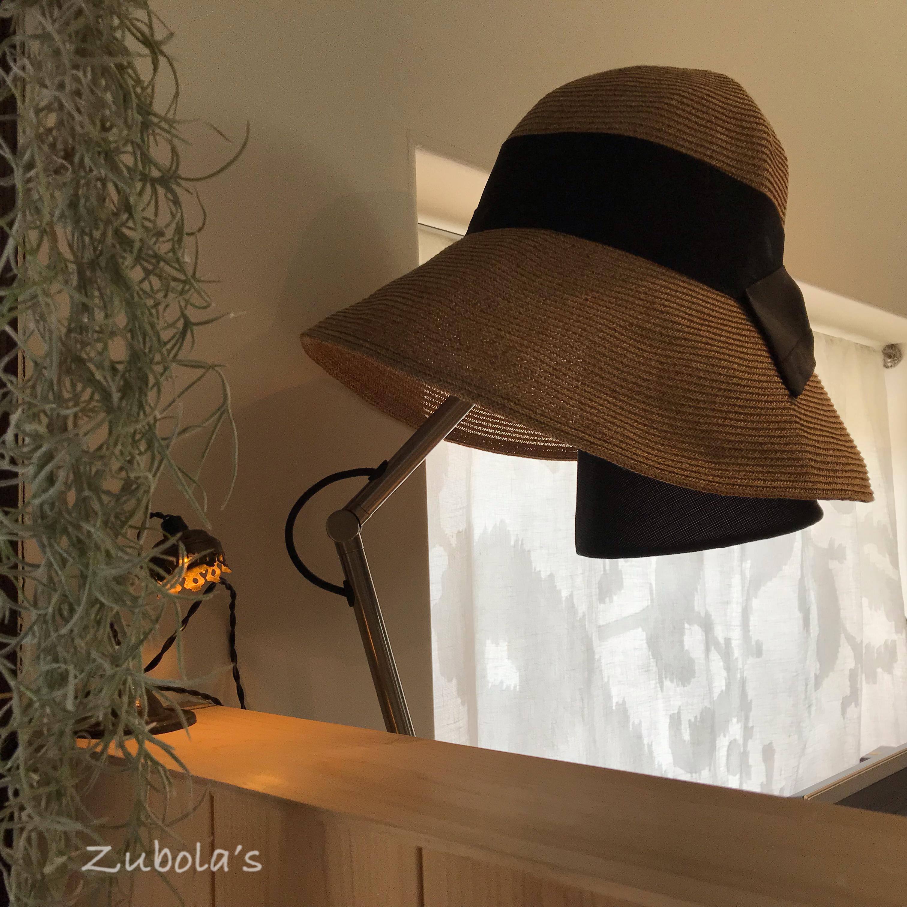 """""""君には君の道がある。私には私の道がある"""" それが、お片付け。ランプシェードを帽子置き場に"""