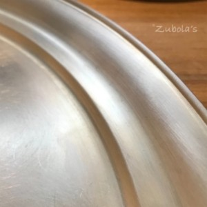 """""""銀食器""""の気高さ。柔らかい独特の色味、素材感…絶品。東屋のお盆。"""