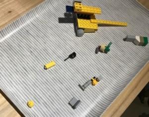 幼児がいるなら、トレー(お盆)活用ススメ。レゴの組み立てのときにも大活躍!