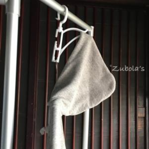 フード付きの服、どう乾かす? ニトリのパーカーハンガー良かったです。