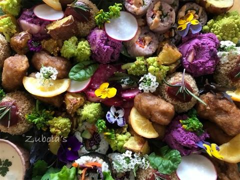 花畑のような一皿。ヴィーガンのケータリング!